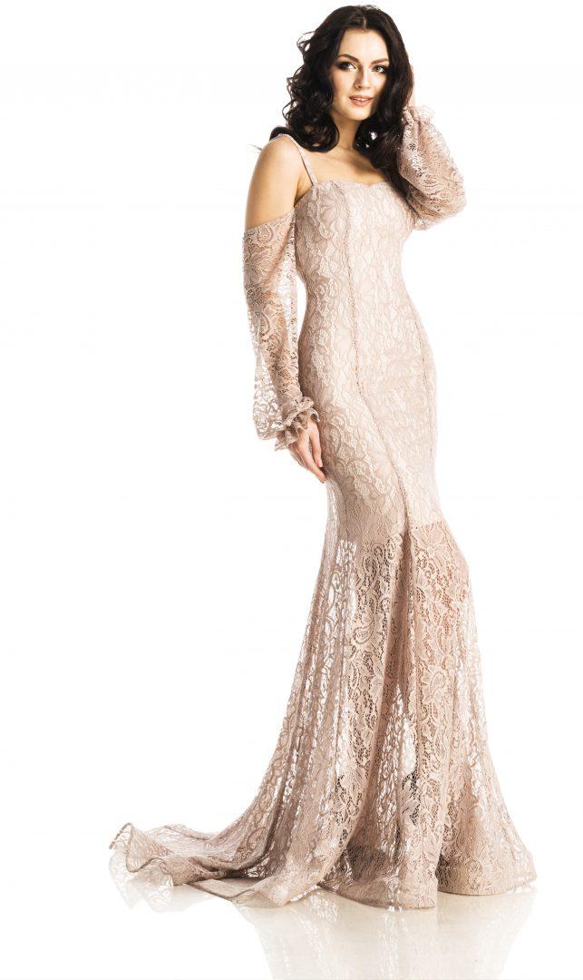 64800ff8970a Кружевное платье с открытыми плечами